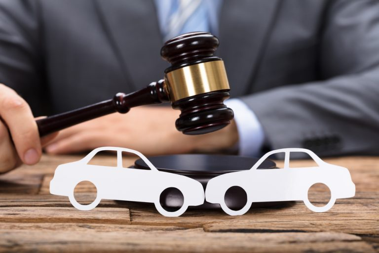 Auto Accident Lawyer Helps you Win the Claim Despite you were at Fault