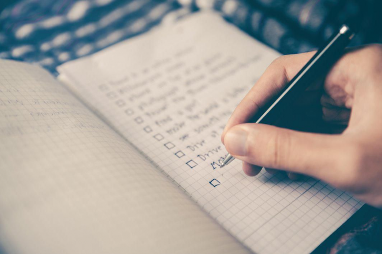 How to Accomplish Goals Set For The New Year