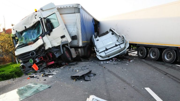 Truck accident in New Mexico: Should you hire lawyer?